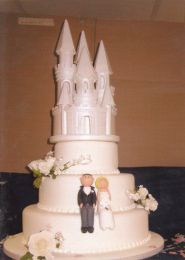 Fairy-tale Castle Wedding Cake